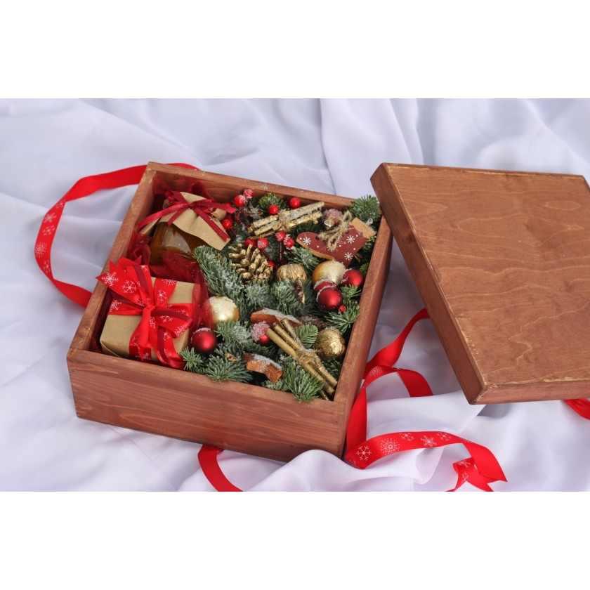Коробка деревянная красная