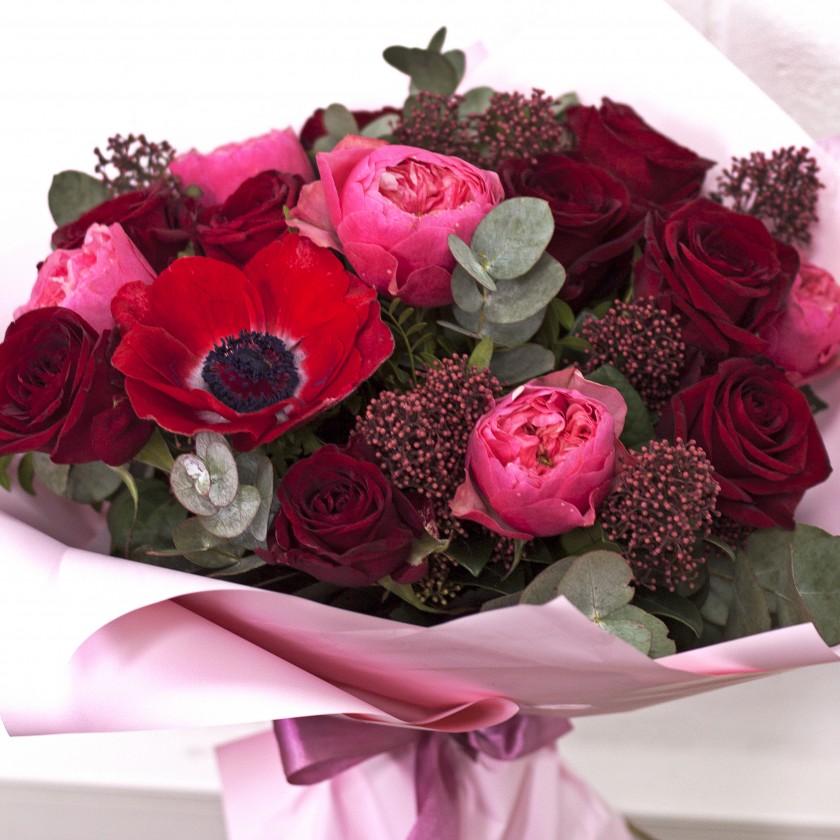 Букет из роз с анемоном