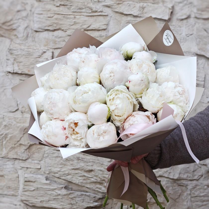 Букет нежно-розовых пионов