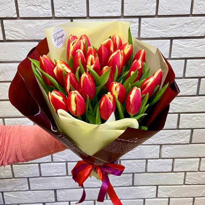 Букет красно-желтых тюльпанов