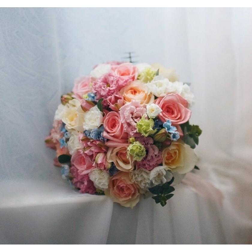Кремово-розовый букет невесты