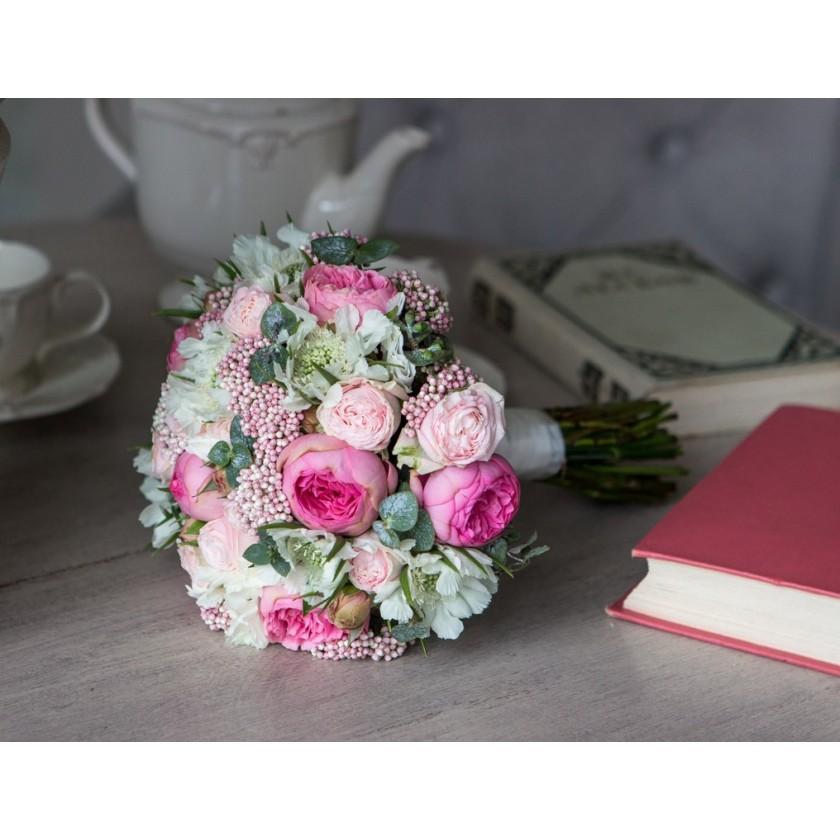 Букет невесты с розовыми цветами