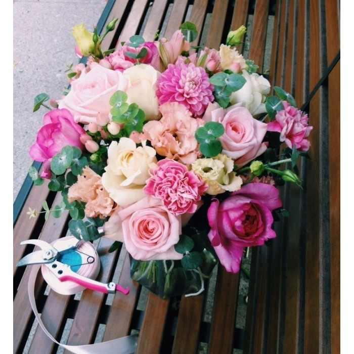 Букет с пионовидными розами (автор33)
