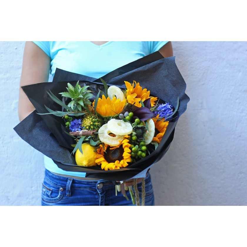 Букет с подсолнухами и овощами (автор2)