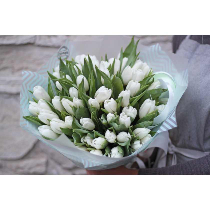 Букет белых тюльпанов