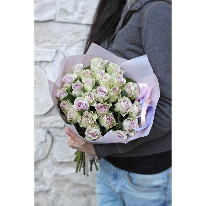 Букет лавандовых роз