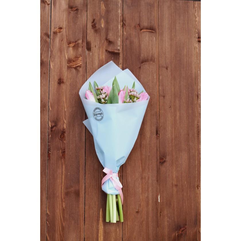 Букетик розовых тюльпанов